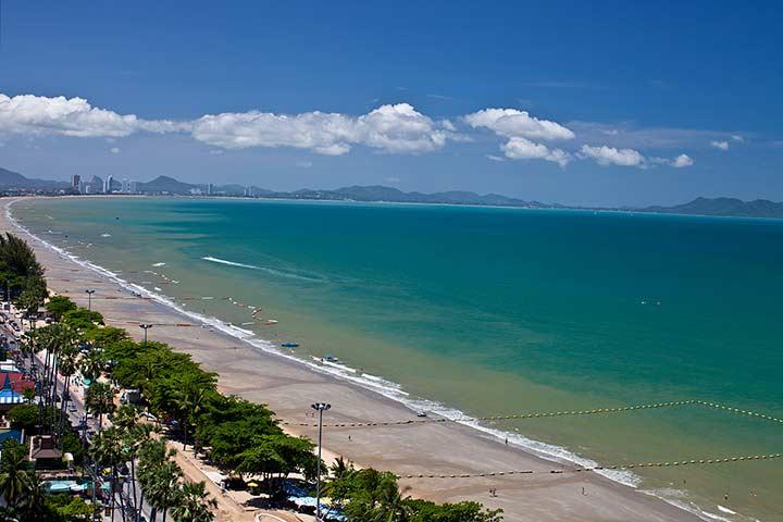 Кто то мне говорил, что в Паттайе вид на море не красивый. Ну если вам это не красивый, тогда какой красивый, я уж и не знаю...