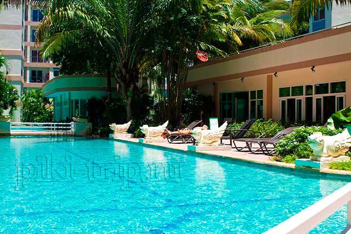 бассейн Парк Лейн фото