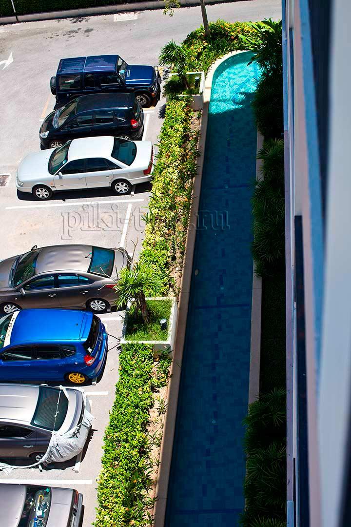 парковка Парк Лейн, рядом шаттл бас