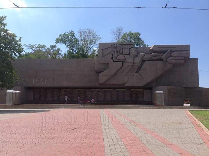 Мемориал славы в Севастополе (фото)