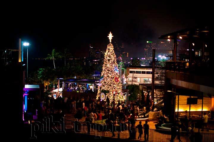 новогодняя елка в Паттайе в декабре фото