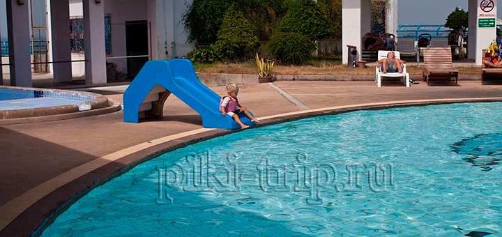 бассейн в Майк шоппинг молле Паттайя фото