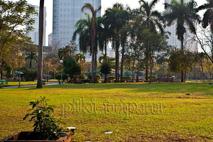Парк Люмпини в Бангкоке - огромные вараны и спортивные тайцы