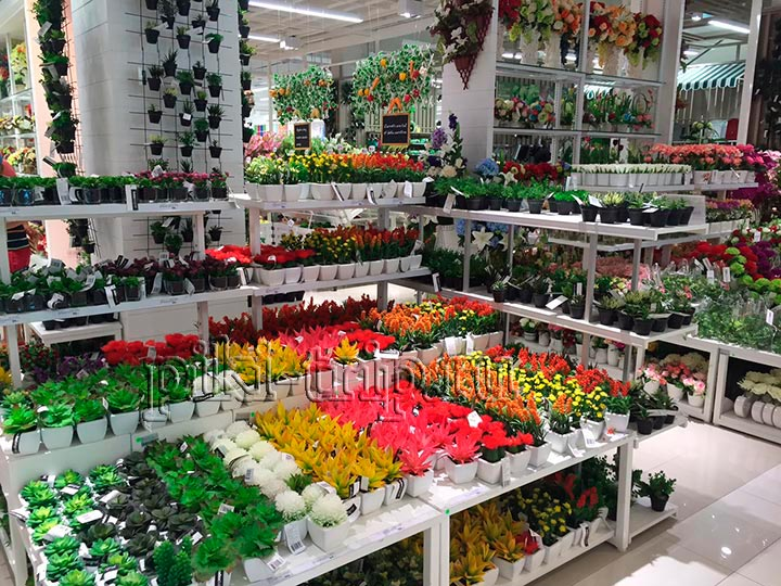 искуственные цветы скорее подойдут для кафе чем для квартиры