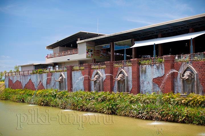 Ramayana-ресторан наверху