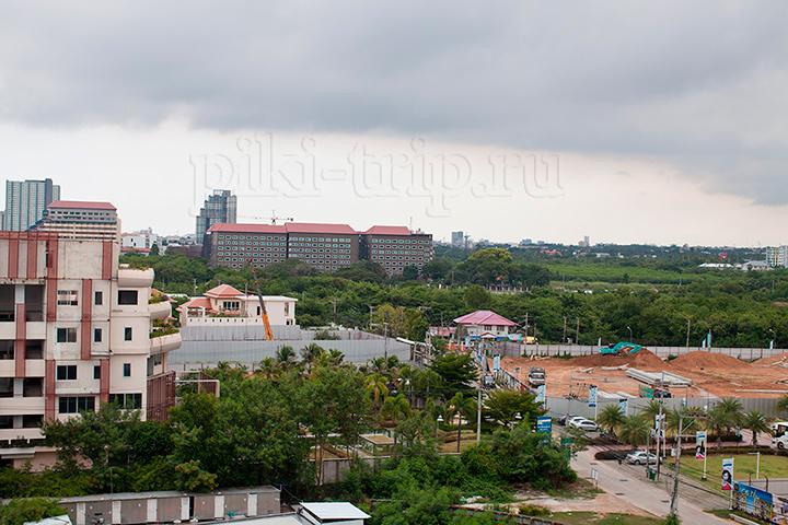 вид на город Нам Талай в одной из квартир