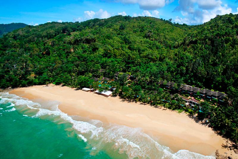 Отель с пляжем Андаман на Пхукете