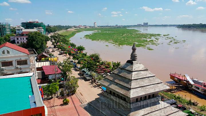 вид на Меконг в Лаосе