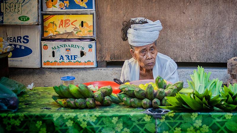 Осуждает тех, кто не купил страховку на Бали