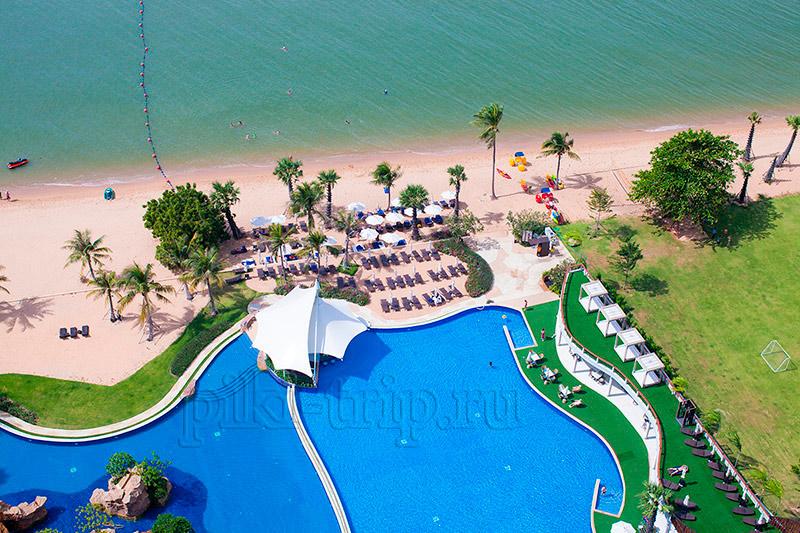 Отель Мовенпик пляж и бассейны