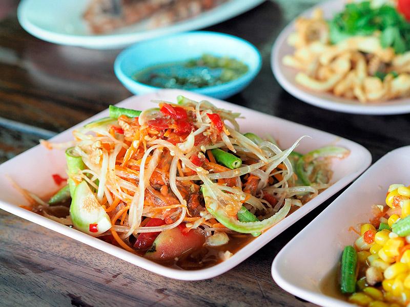 Тайский салат из папайи Сом Там