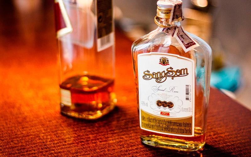 Санг Сом - самый популярный ром в Тайланде