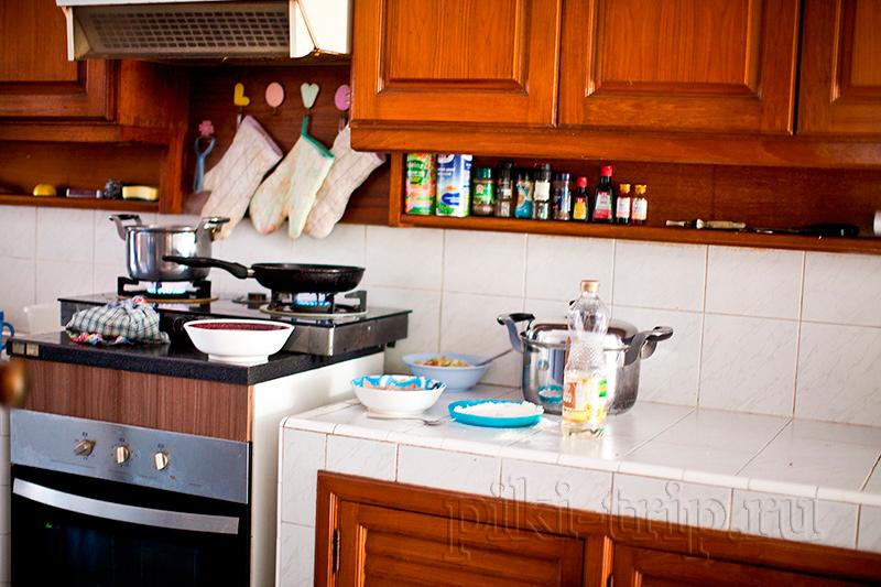 повар Лукоморья кажды день готовит детям новые и вкусные блюда
