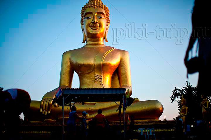 Фото Паттайи - холм Пратамнак Золотой Будда