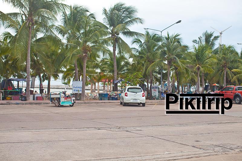 пляж Бан Ампур напротив площадки