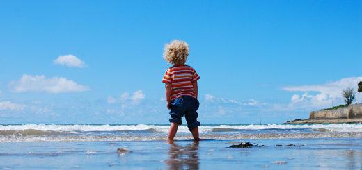 Куда поехать с ребенком на море в июле
