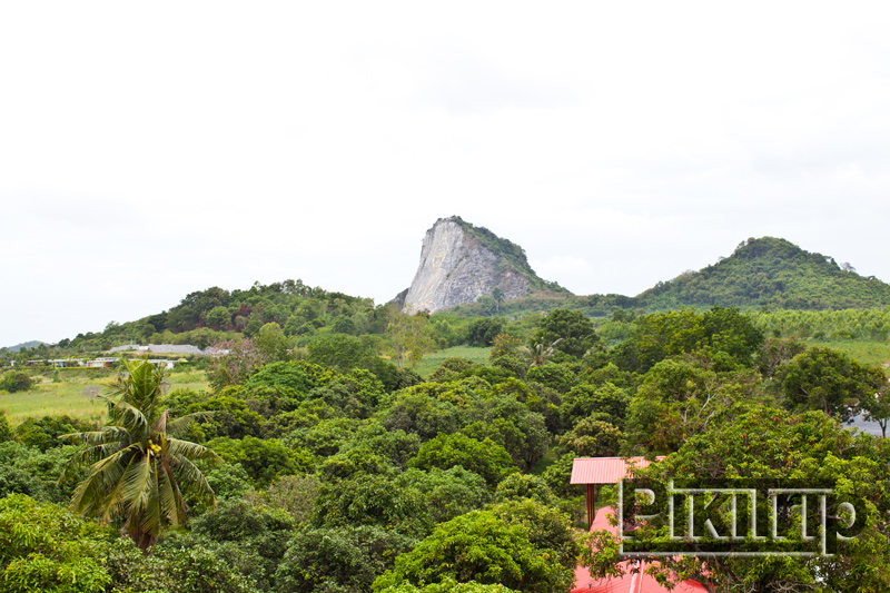 гора кхао чичан в Паттайе