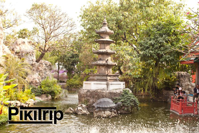 пагода при храме где живут черепахи
