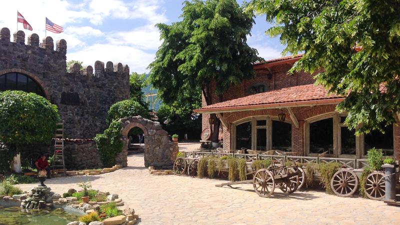 Кахетия: Кварели на винзаводе Киндзмараули