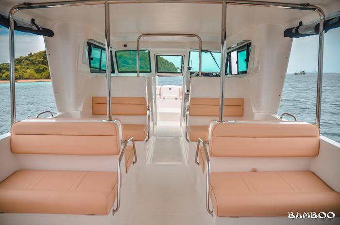 новый катер на экскурсии Бамбу